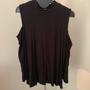 Tops - Women's off shoulder shirt